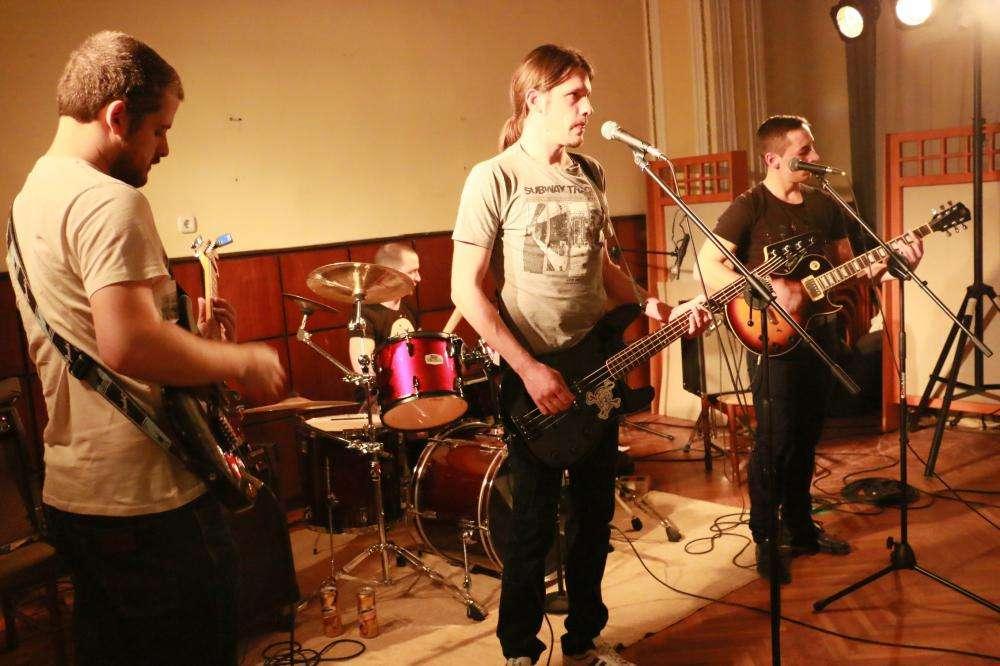 ROCK-FUNKY EST