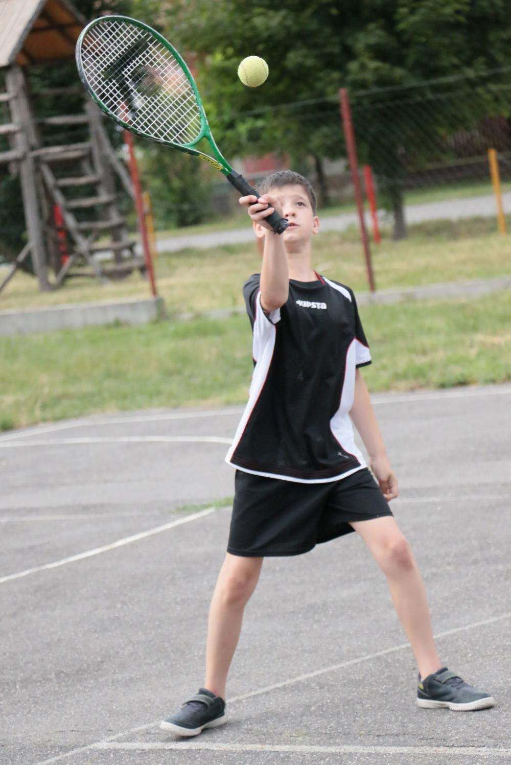 NAPRAFORGÓ Tenisztábor