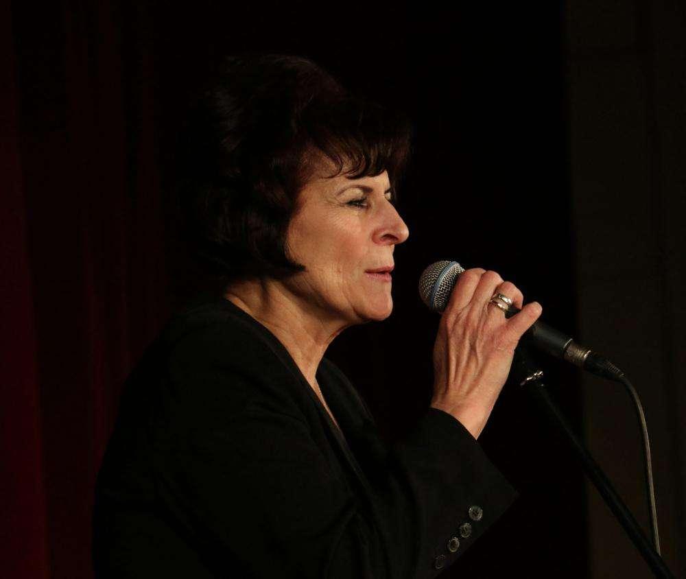 NEM BÁNOK SEMMIT SEM - Edith Piaf-est