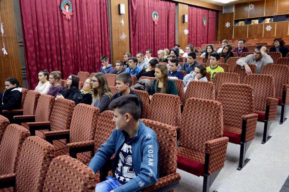 MENTÁL FILMKLUB - Pillangócirkusz (2009)