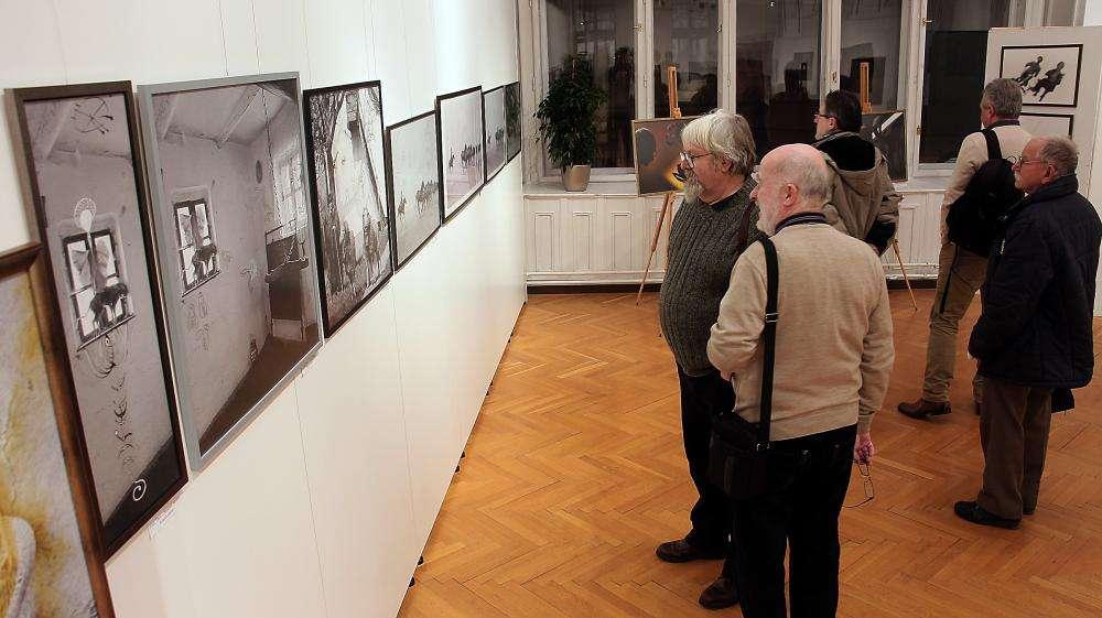 LÉLEKJELENLÉT/ÉRINTETT DOLGOK - OLÁH TIBOR FOTÓMŰVÉSZ KIÁLLÍTÁSA