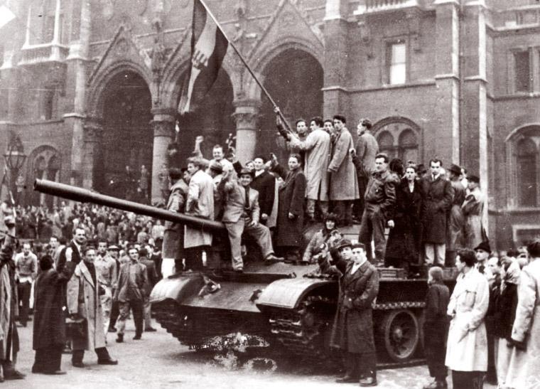 EMLÉKMŰSOR AZ 1956-os FORRADALOM ÉS SZABADSÁGHARC ALKALMÁBÓL