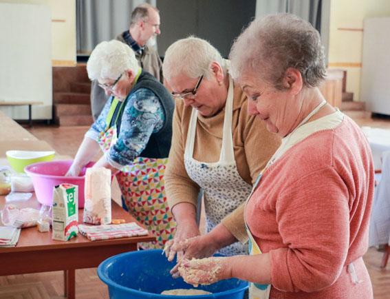 KEMENCÉS NAP – kenyértészta-dagasztás, kenyérlángos-sütés