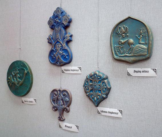 MESÉLŐ ŐSKÉPEK - BLASKÓ SÁNDOR szobrászművész és családja kiállítása
