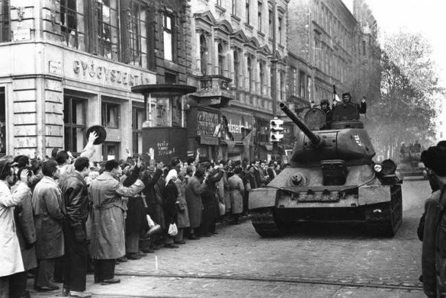 1956-ra emlékezünk