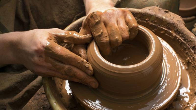 JÁTSZÓHÁZI FOGLALKOZÁS - Agyagozás, marokedény készítés
