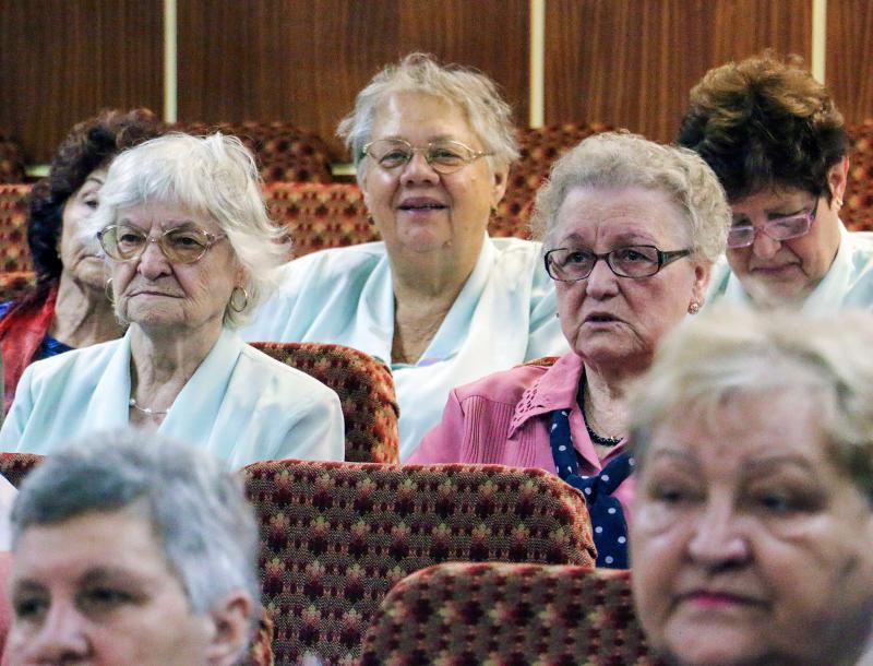 RETRO PÉNTEK: Pillanatkép az Újkerti Közösségi Ház mozitermében megrendezett esemény érdeklődőiről