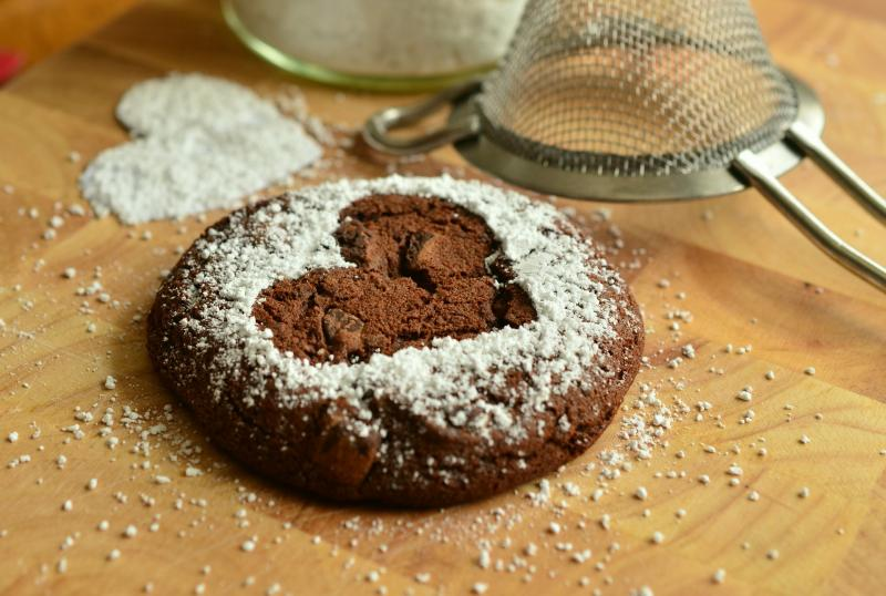 I. HOMOKKERTI ÉDESSSÉG KAVALKÁD ÉS SÜTIKIRÁLYSÁG: Illusztratív közeli fotó egy süteményről