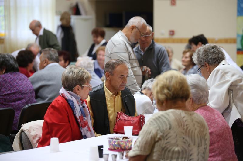 CSAK A SZÉPRE EMLÉKEZÜNK: Pillanatkép a kismacsi nyugdíjasokról egy korábbi rendezvény alkalmáról