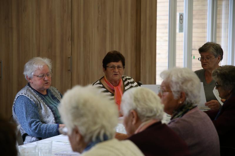 NYUGDÍJAS KLUB: Pillanatkép néhány nyugdíjaskorú hölgyről egy korábbi rendezvény alkalmával